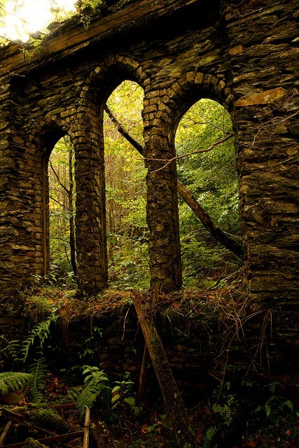 Ancient Arches, Tal-y-waenydd, Wales