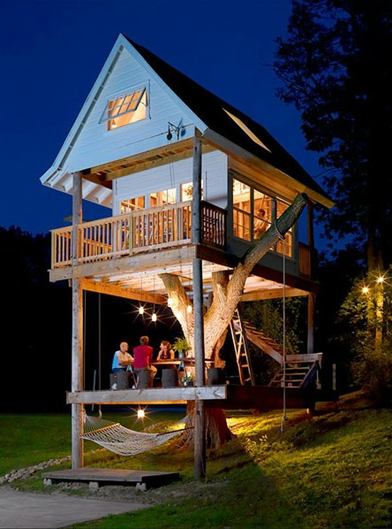 Two Story Treehouse, Wisconsin